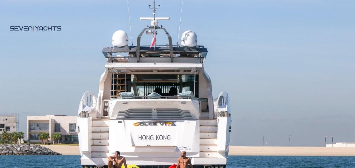 Dolce Vita Yacht Rental 10