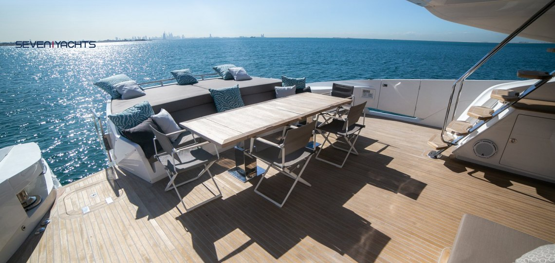 Dolce Vita Yacht Rental 3