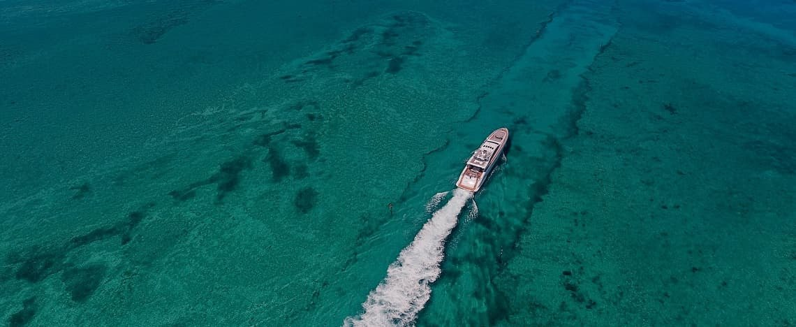 Essential Tips for a Safe Yacht Charter in Dubai