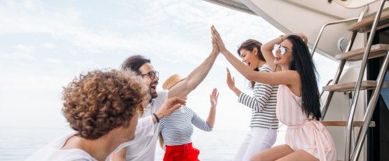 For those who deserve only the best, let's have a party on a luxury yacht.