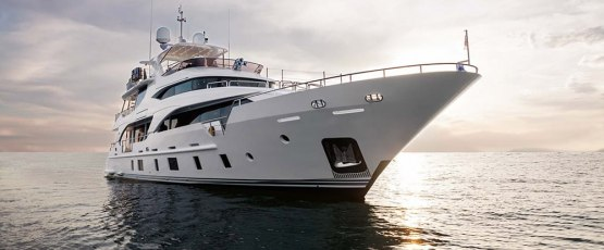 Top 5 Yachts to Charter in Dubai